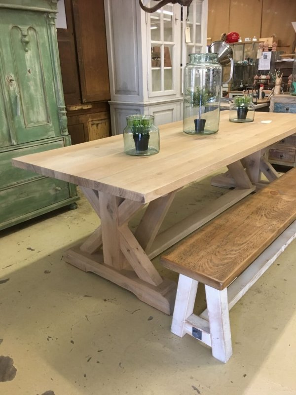 """Solid oak table with """"Union J"""" base"""
